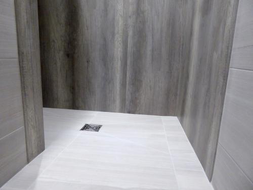 Wet room tray